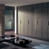 Шкаф в потолок в современном стиле