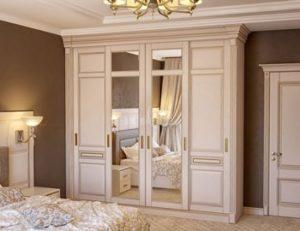 шкаф в классическом стиле из массива