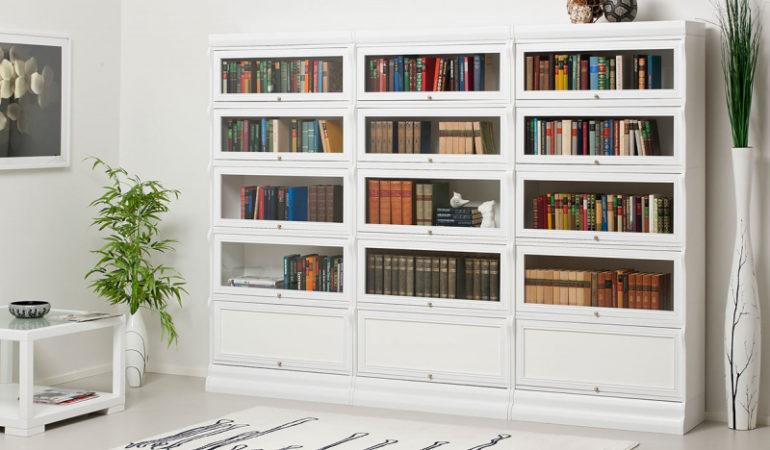 Книжный шкаф белого цвета