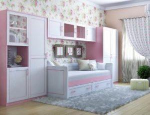 Детская комната в бело-розовых тонах